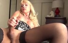 Joanna Jet masturbates in the hotel room